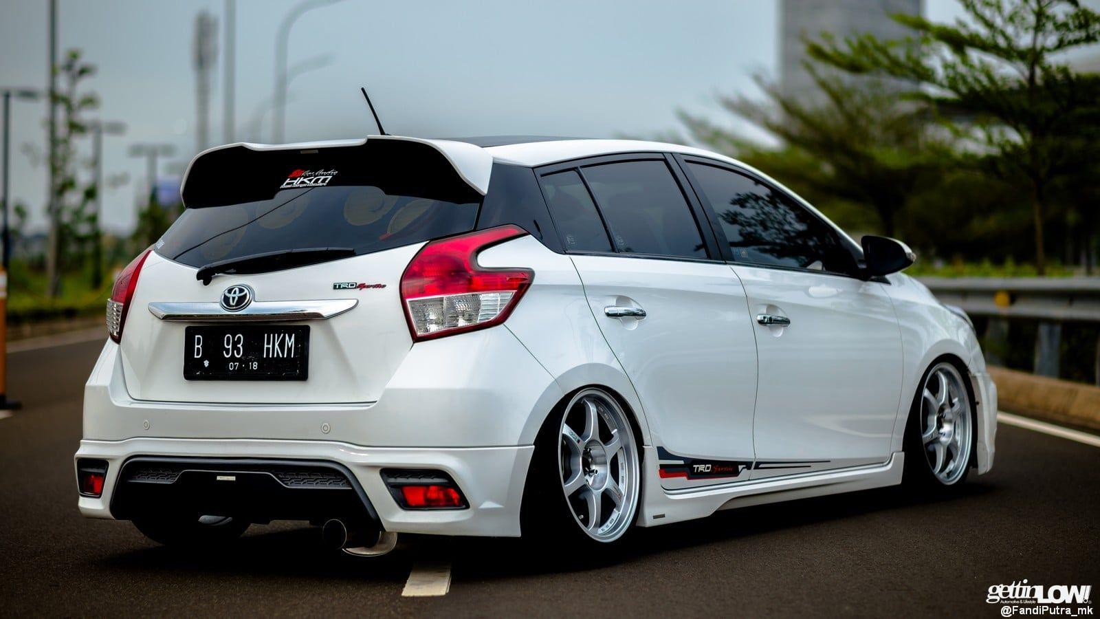 Kelebihan Mobil Toyota Yaris Perbandingan Harga
