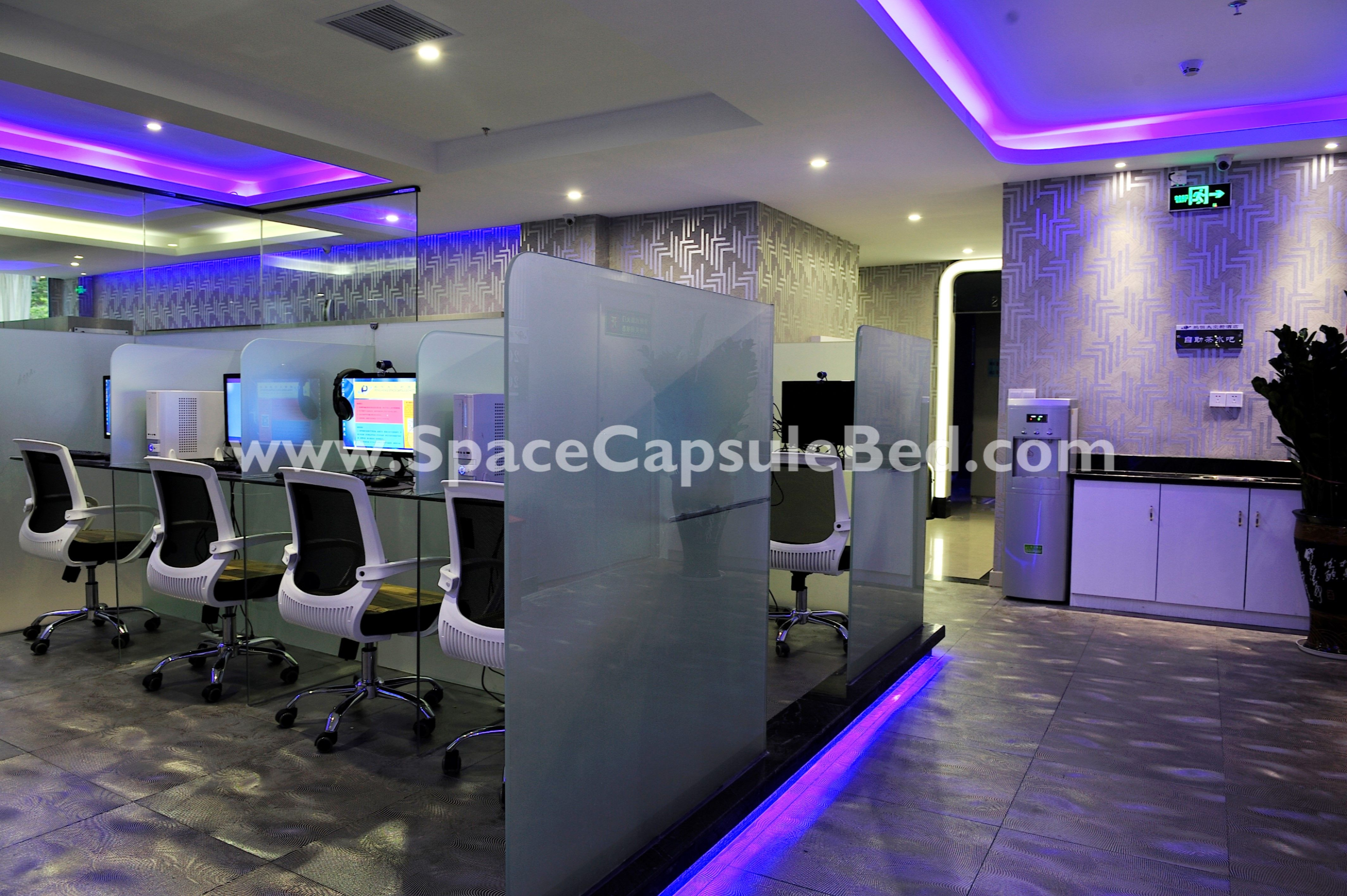 Internet Cafe With Images Cafe Design Cyber Cafe Design Home