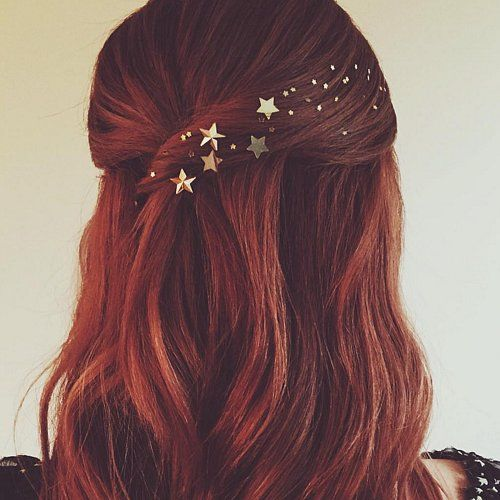 Photo of These Are the Prettiest Holiday Hair Ideas on the Internet Right Now