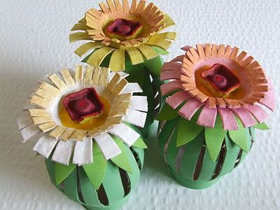Tutorial toilet paper roll egg carton flowers art exercises everything on michele made me is so cute with clear instructions and photos here spring flowers from toilet paper rolls and egg cartons time to gather mightylinksfo