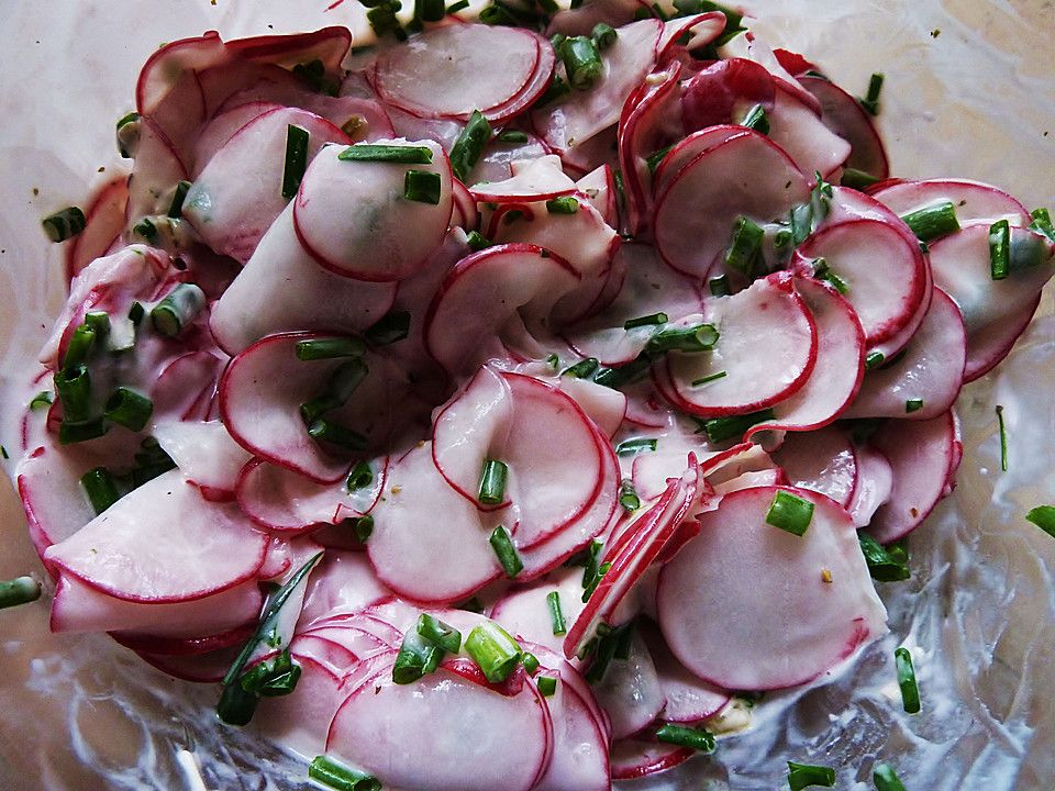 Radieschensalat mit Schnittlauch   silly   Salad, Food und ...