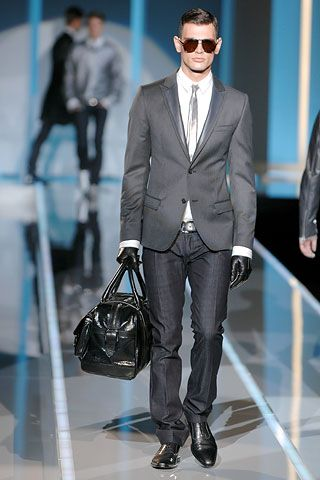 Dolce & Gabbana Fall 2007 Menswear Collection Slideshow on Style.com