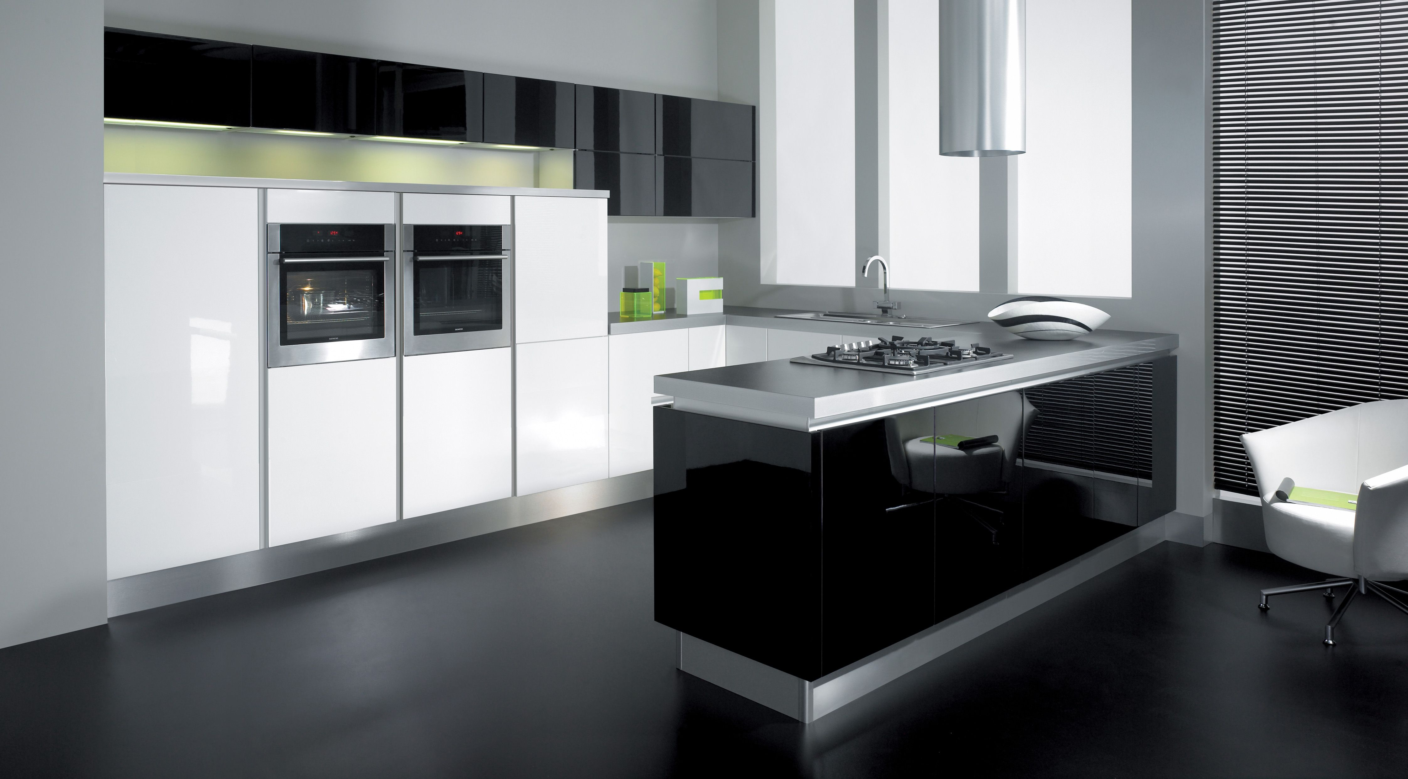 Beautiful Black And White Striking Contrast. Futura Handleless White Gloss  U0026 Black Gloss From Cucina Colore Collection.