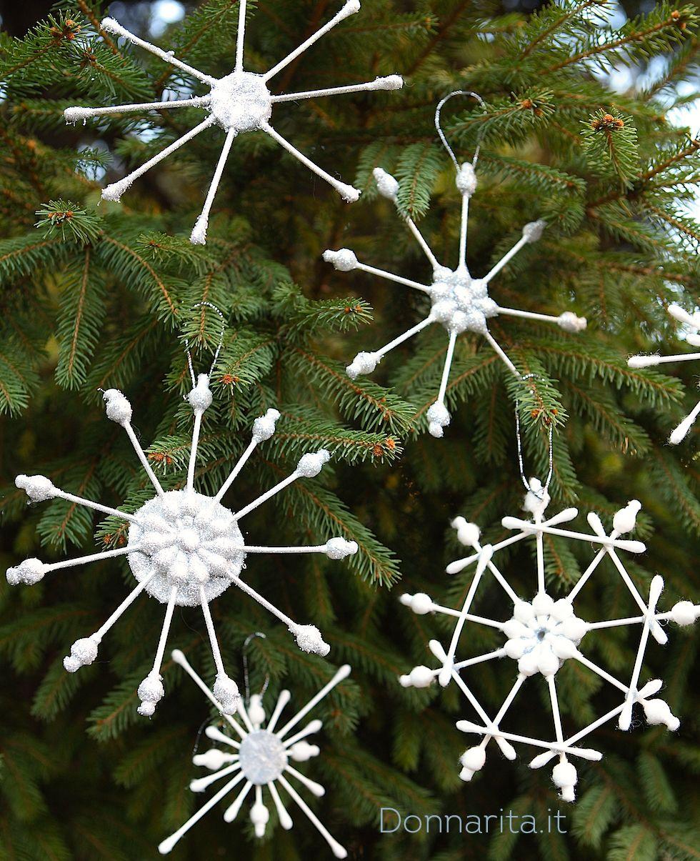 Decorazioni albero natale fai da te con i cotton fioc cerca con google lavoretti natale - Creare decorazioni natalizie ...