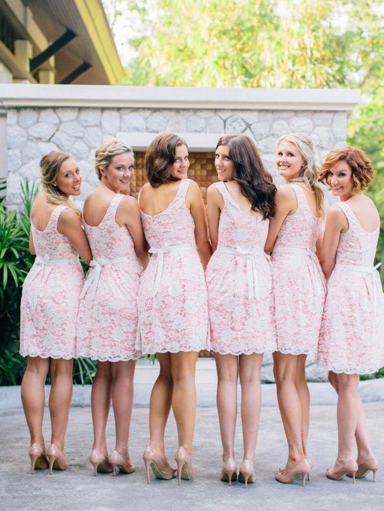 Romantische Brautjungfernkleider in Rosa mit Spitze im Vintage-Stil ...