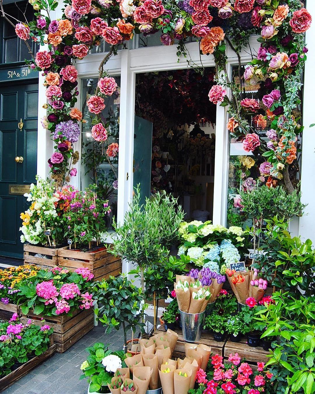 London in bloom, Moyses Stevens Flowers 😍🌸🌺💐 . . . .