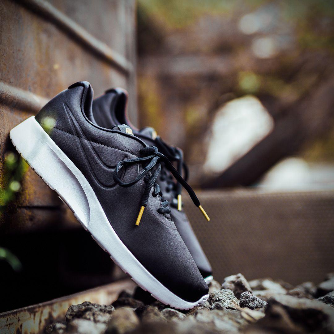 Sneaker by Deichmann | Turnschuhe, Jeans und Kleider