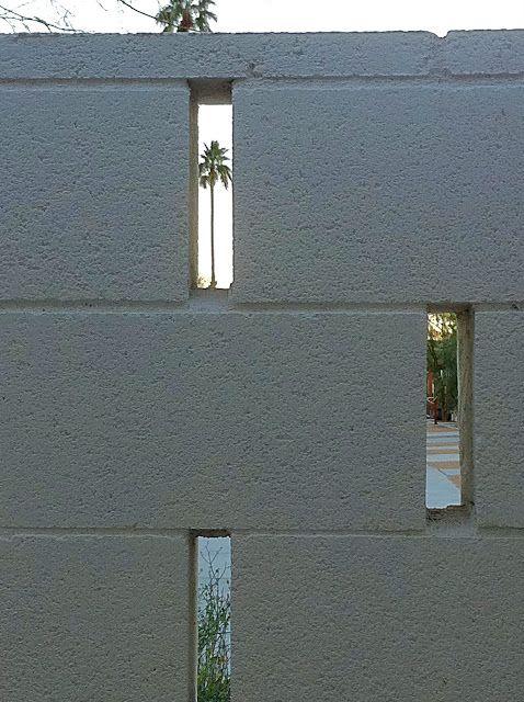 detail painted cinder block wall   ace hotel Garden Pinterest - paredes de cemento