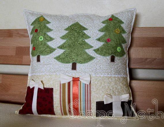 Gorgeous Handmade Christmas Pillow Inspiration Family Holiday & Gorgeous Handmade Christmas Pillow Inspiration Family Holiday ... pillowsntoast.com
