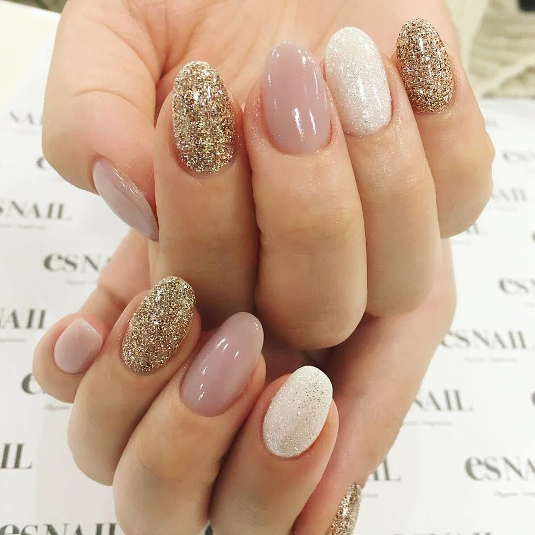 Pretty mix and match nail colour ideas - mismatched nail art #nails ...