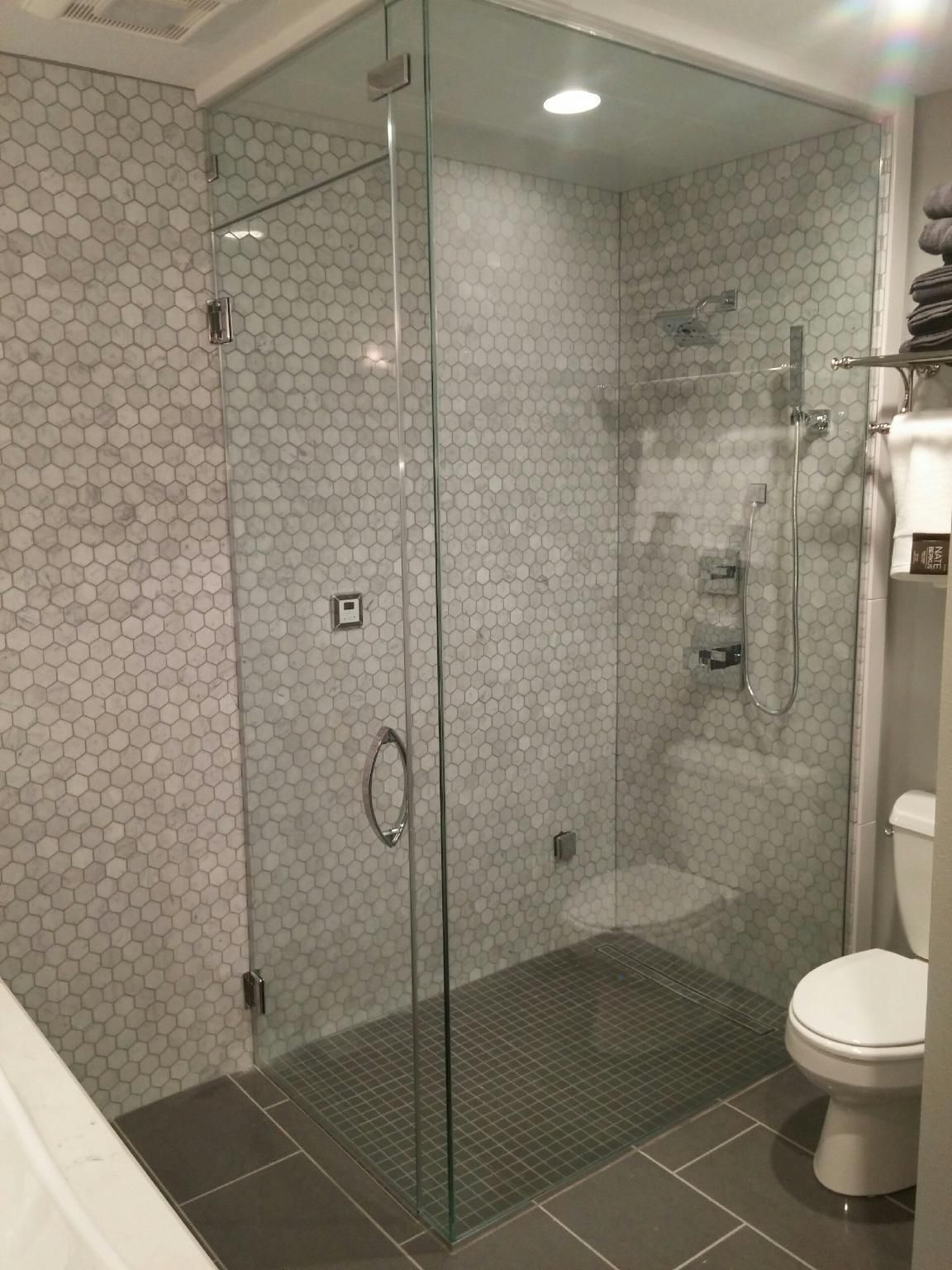 Frameless Steam Shower Zero Entry Shower Des Moines