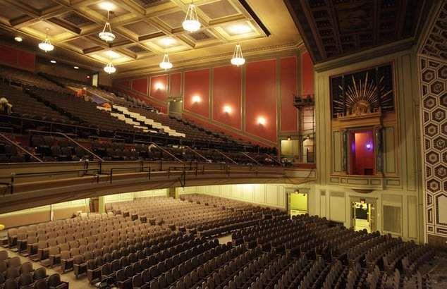 Taft Theater Interior Google Search Mmhc Public Home