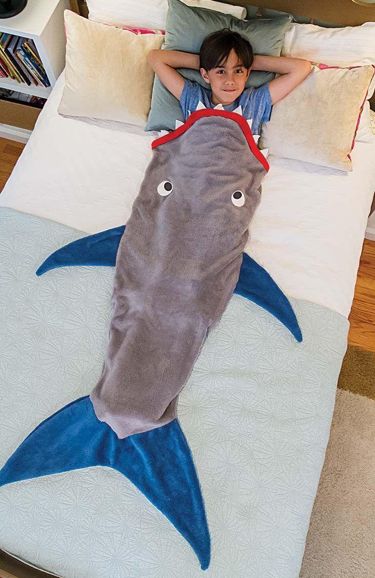 Shark Blanket for Kids - in 4 JAWsome Colors   Nähen, Nähideen und ...