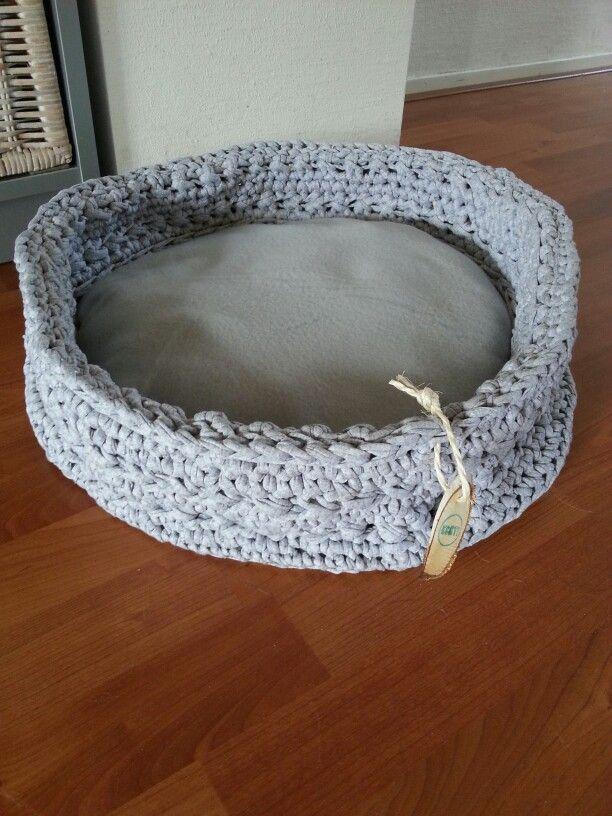 Poezen Of Hondenmand Gehaakt Met Zpaghetti Crochet Pinterest