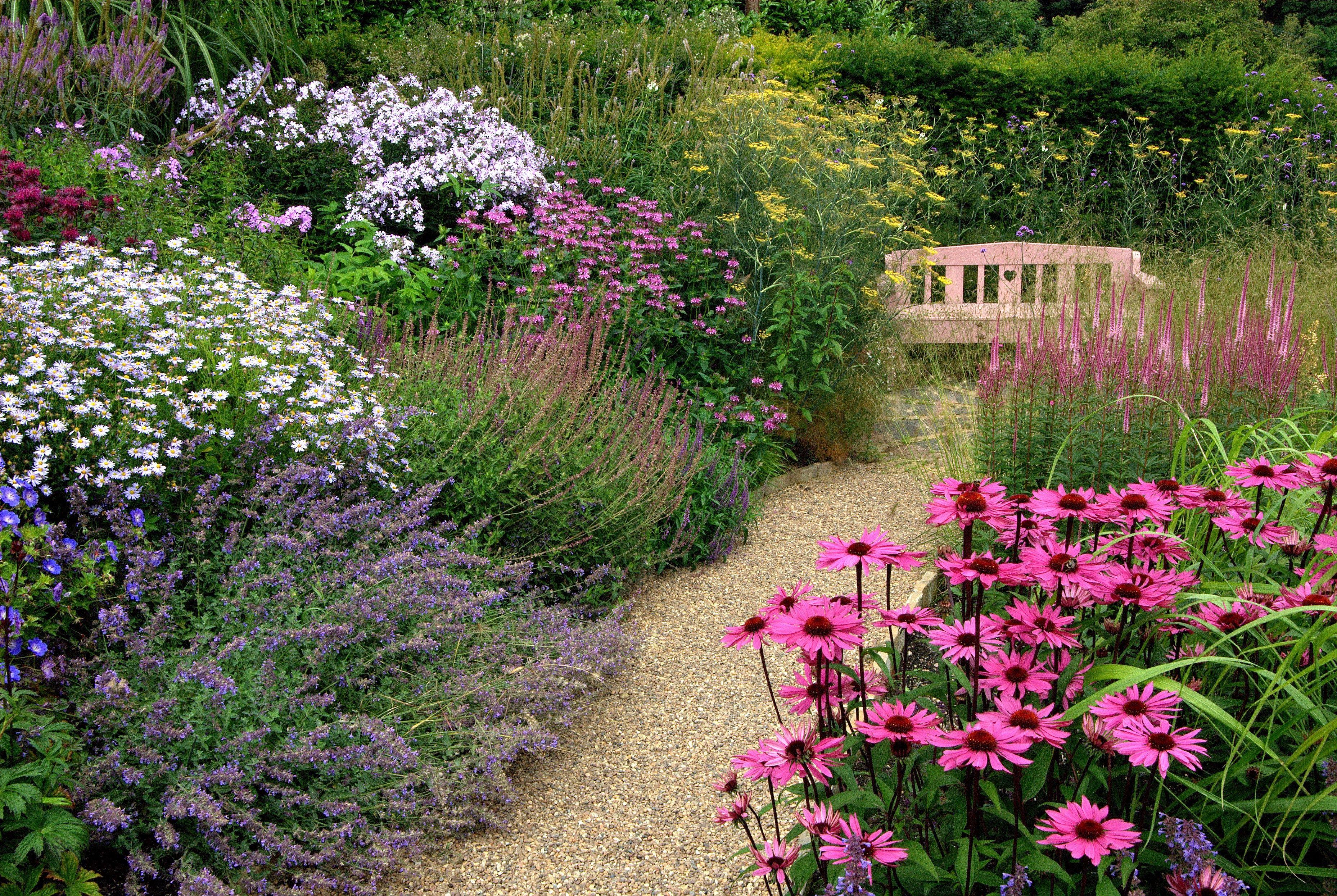 Ideeen Kleine Tuin : Tips voor een kleine tuin in tuin aanleggen ideeen huis decor