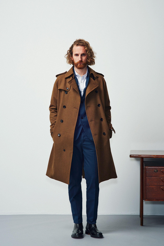 #4 Coat:BLUE WORK/¥91,800 Jacket:BLUE WORK/¥32,400 Shirt:BLUE WORK/¥21,600 Pants:BLUE WORK/¥17,280