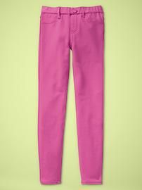 WISH M. WOULD WEAR COLORED JEANS. :(