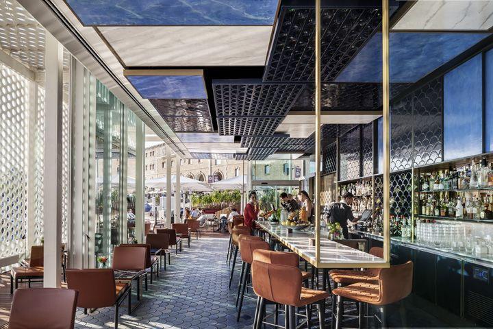 Restaurant design designer möbel messing beistelltisch