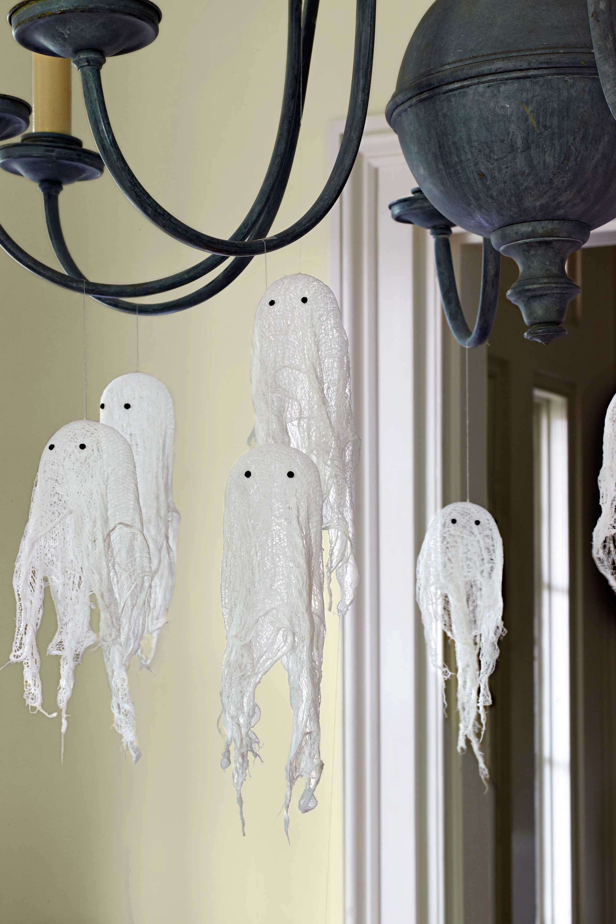 65+ of the Best Halloween Crafts Ever   Cheesecloth ghost ...