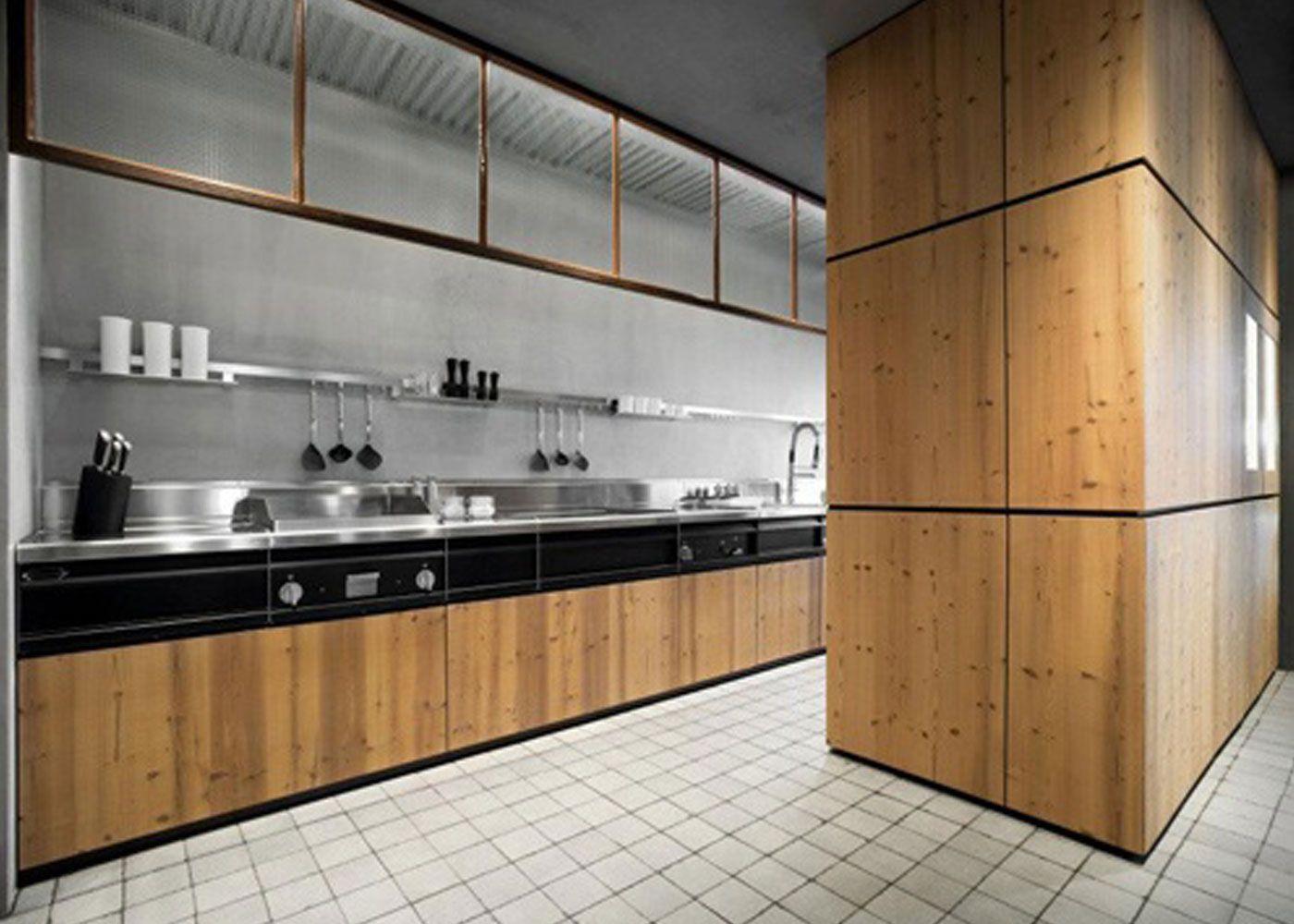 Ideastodecorate Com Knotty Pine Kitchen Solid Wood Kitchens Kitchen Fittings