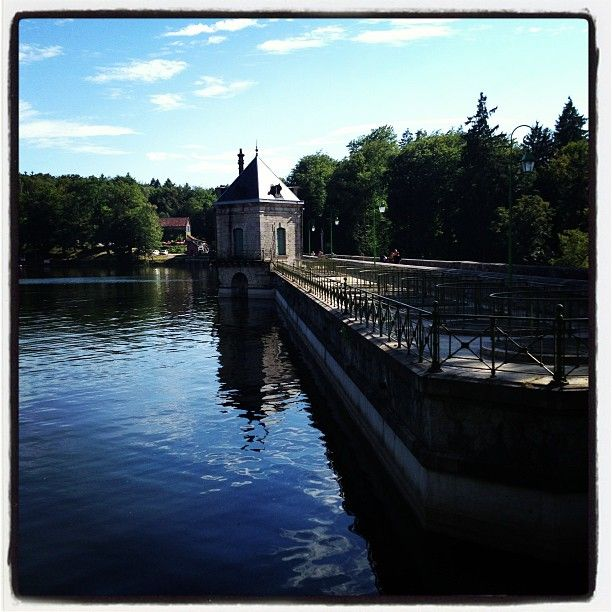 Lac Des Settons Canal Structures Four Square