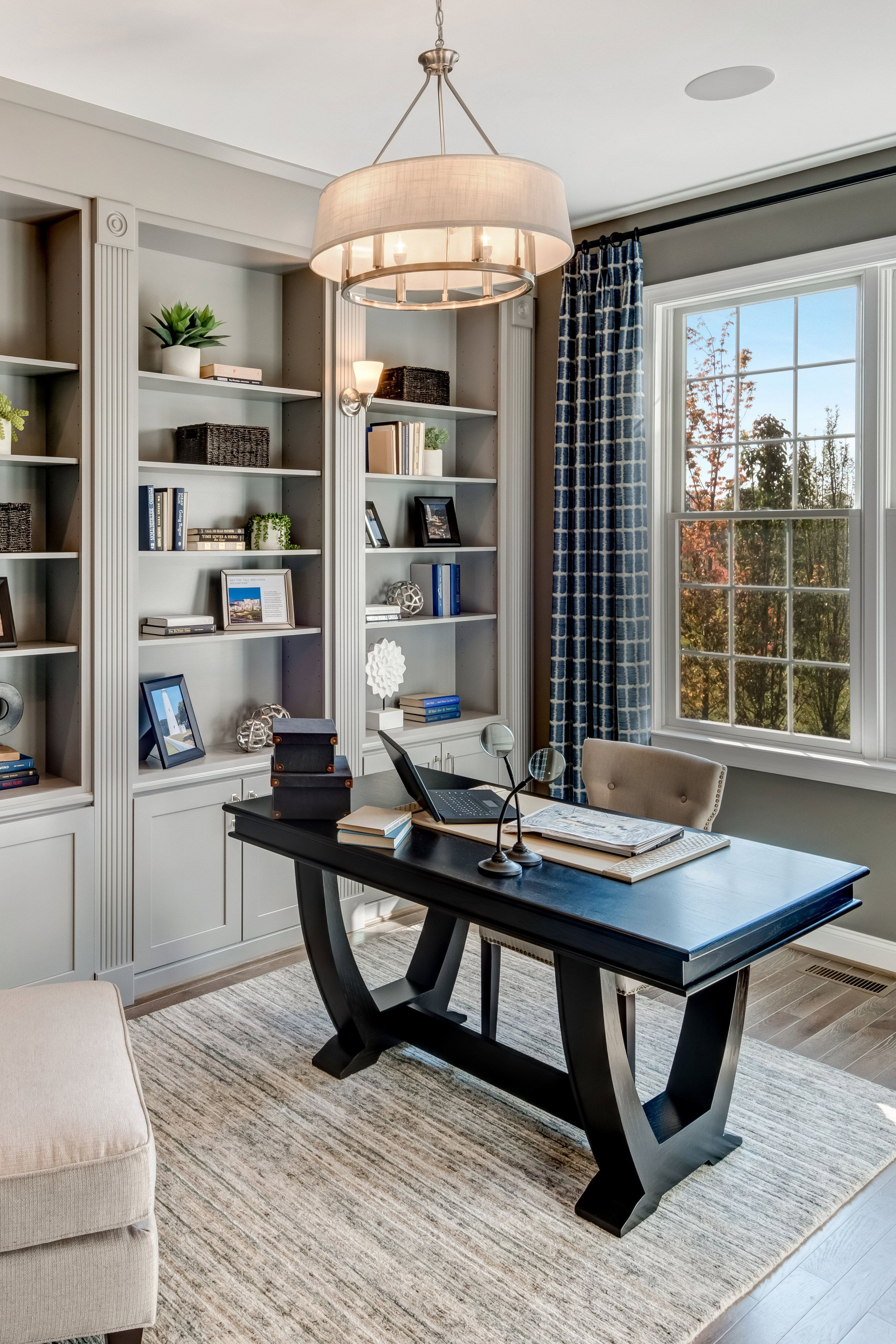 20 Trendy Ideas For A Home Office With Skylights: Wherever Possible, Use Natural Light By Letting The Sun Shine Through Windows And Skylights