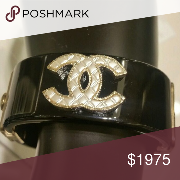 💯authentic CHANEL cuff bracelet😍😍😍 New😍😍😍 more pics coming. Is authentic. Has laser stamp. It comes with its original box. Has quilted Chanel logo. Stunning!!!! CHANEL Jewelry Bracelets