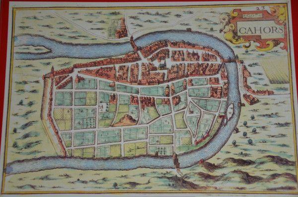 La ville de Cahors et ses trois ponts défensifs