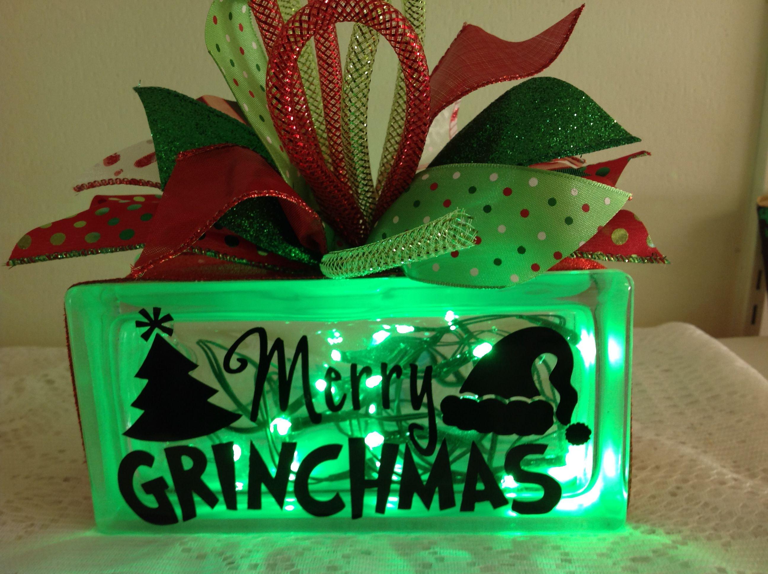 4X8 Grinch Glass Block $3000