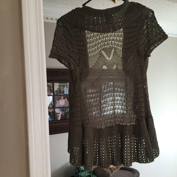 NWOT CARDIGAN OLIVE GREEN | Clothes design, Fashion, Fashion
