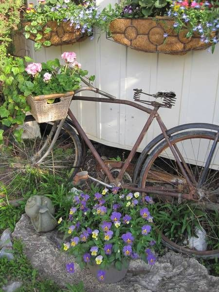 Old Bicycle Planter. I Want To Do This But I Canu0027t Find A
