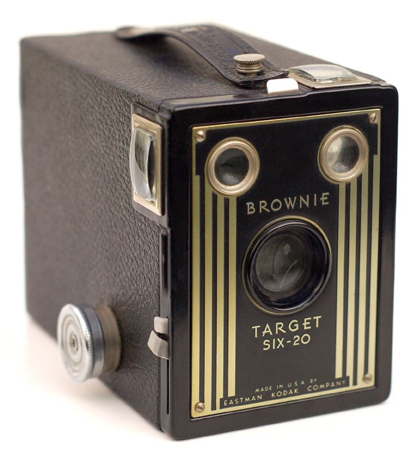 New Kodak Brownie Camera In Usa 1900 Brownie Camera Classic Camera Kodak Camera