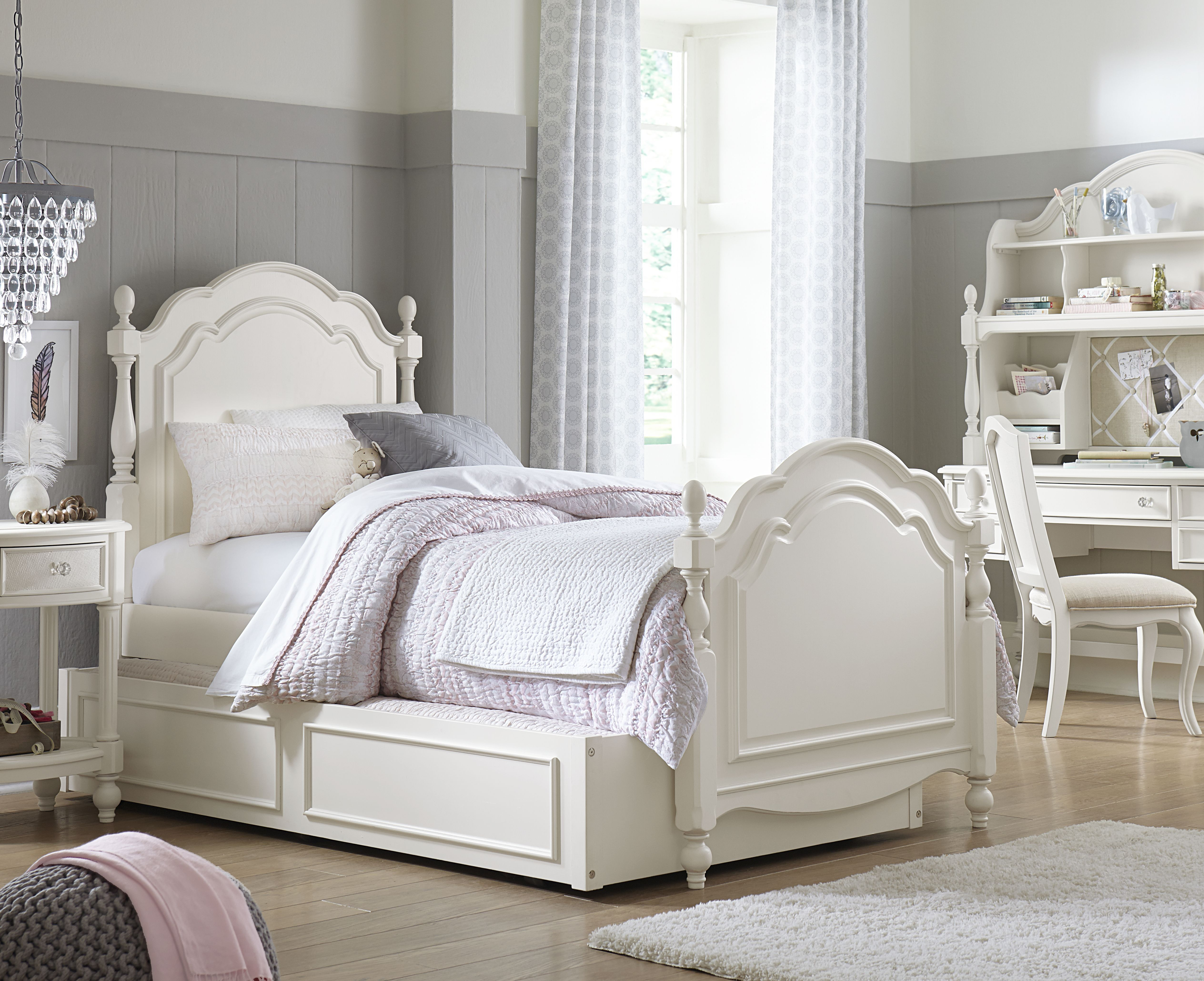 The Harmony Collection By Wendy Bellissimo Summerset Low Poster Bed Legacy Cl Classic Bedroom Furniture Kids Bedroom Furniture Sets Girls Bedroom Furniture
