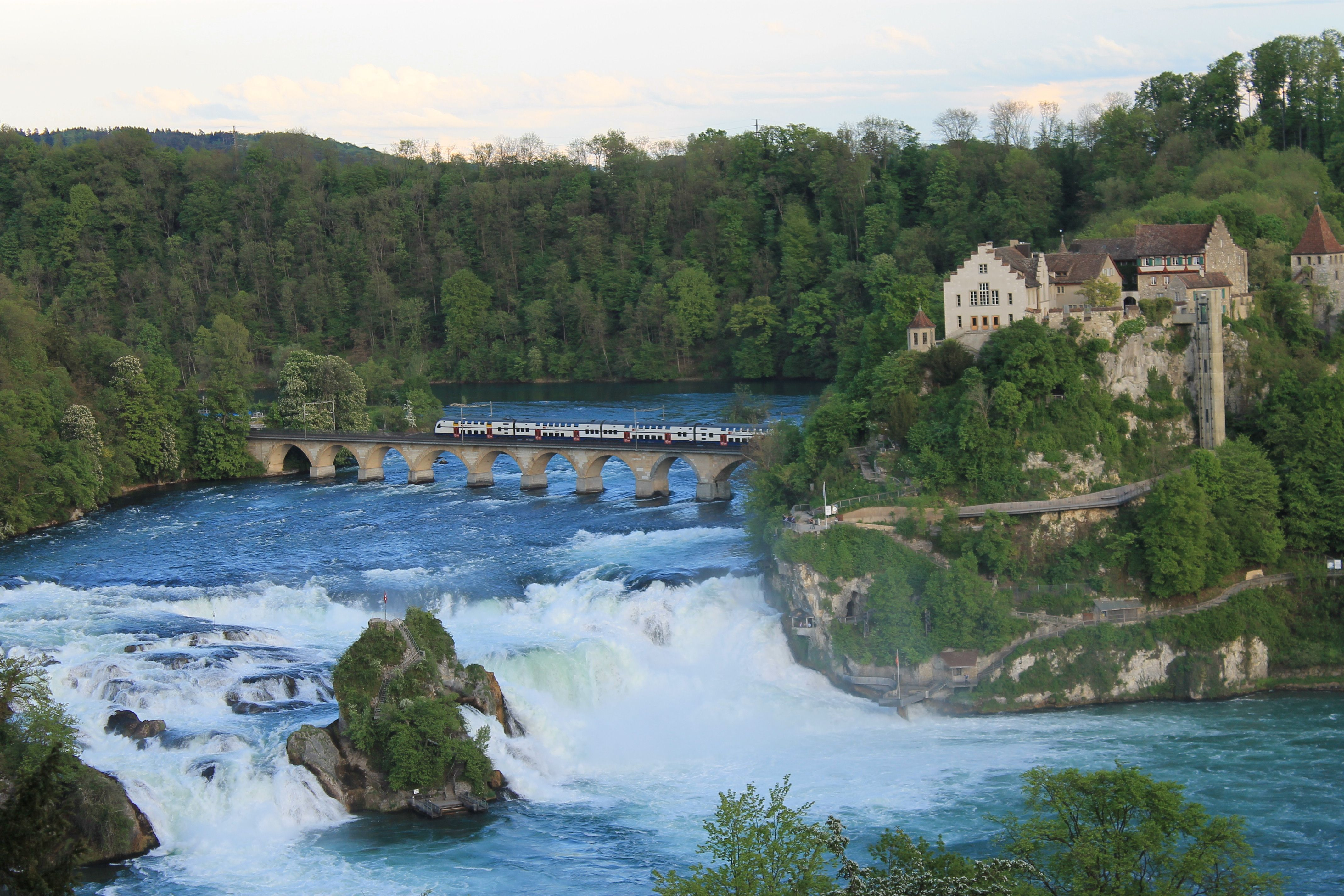 Schaffhausen!  Home Sweet Home... Though I've crossed the bridge... I have yet to take a boat  out & climb to the Swiss flag in the middle of the falls!  I cannot wait to do so on 11/14