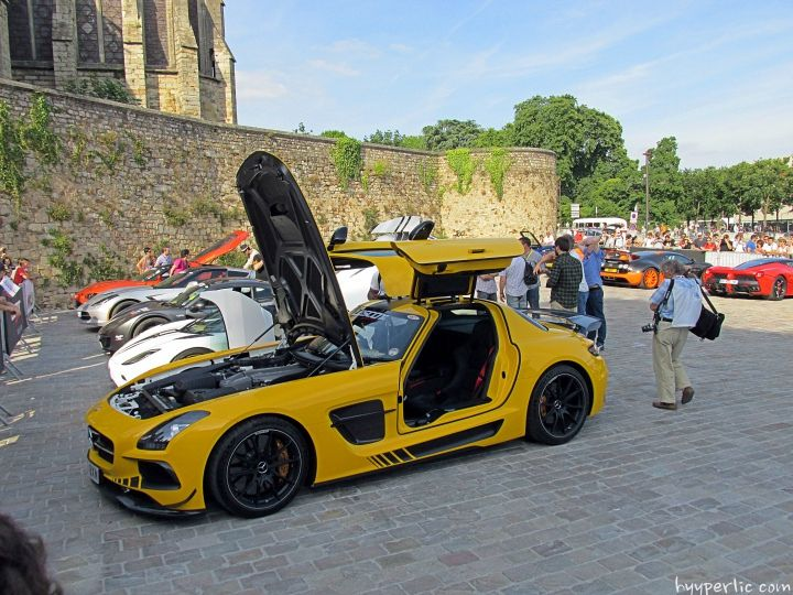 mercedes sls amg black series le mans fahrer parade 2014. Black Bedroom Furniture Sets. Home Design Ideas