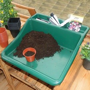 This compact tidy tray is a great addition to potting equipment and means that mess and dirt can be confined within the potting tray