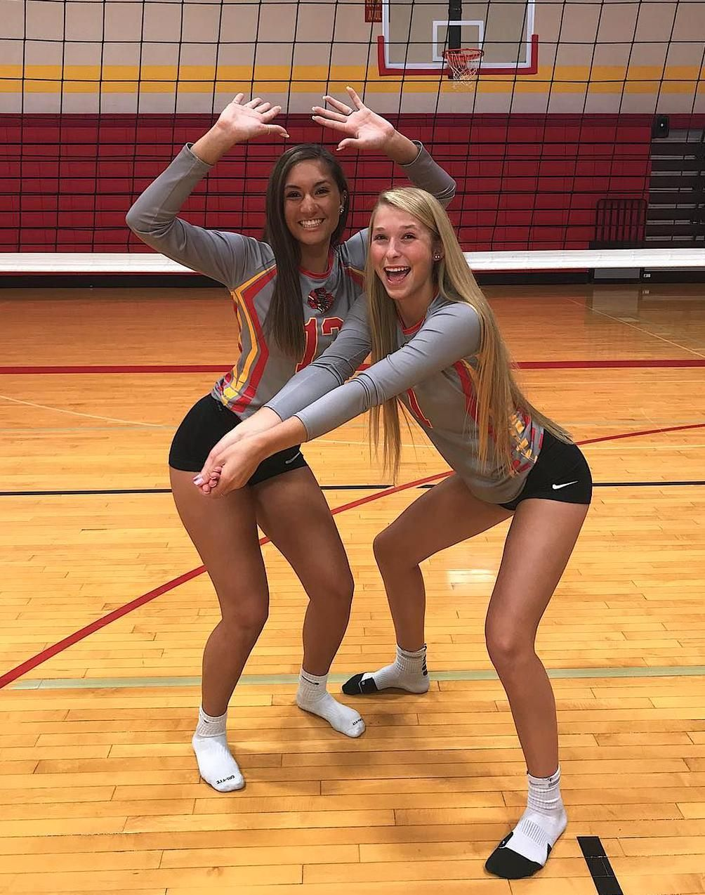Kayba Laube Auf Instagram Gameday Home E Watch Us Kill It In 2020 Women Volleyball Volleyball Outfits Female Volleyball Players