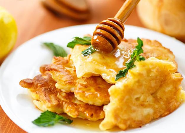 Rețete de martie: Blancmange cu brânză și oladii din mere ^_^ yum yum!  Citește >> https://issuu.com/performance-rau/docs/nr-50-mar-2016/36