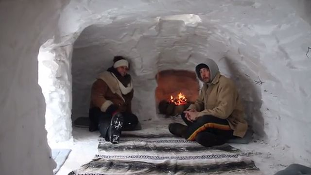 ill couple builds igloo complete with fireplace. Black Bedroom Furniture Sets. Home Design Ideas