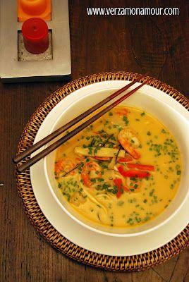 Ricetta Zuppa Thai Con Gamberi.Zuppa Thai Al Curry Latte Di Cocco E Gamberi Ricetta Cibo Asiatico Ricette Zuppa Thai