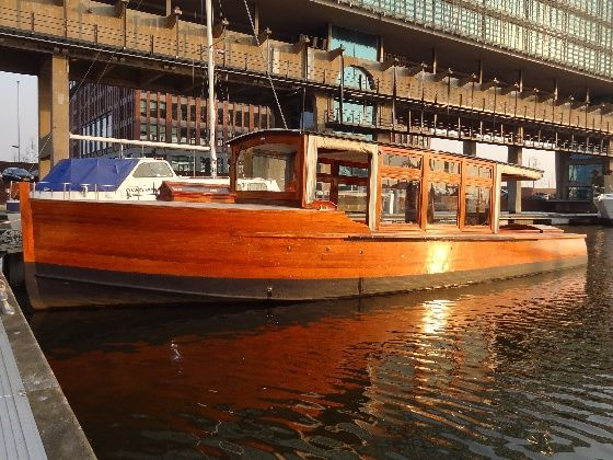 All Aboard Amsterdam's 100 Year Old Boat ➜ http://www.trip4real.com/activity/all-aboard-amsterdams-100-year-old-boat/?utm_source=pinterest_t4r&utm_medium=feed&utm_campaign=social