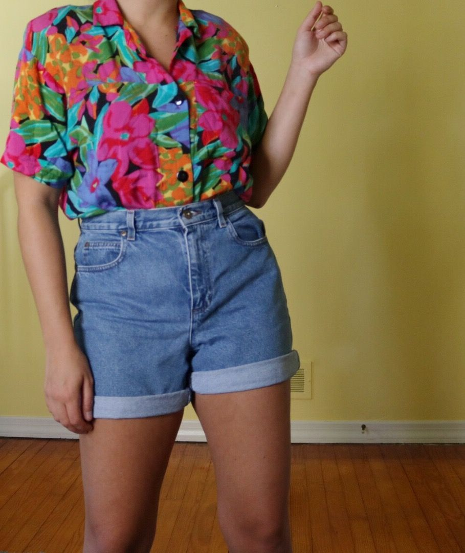 96483753 Funky vintage 80s outfit. Floral 80s top. Floral button up shirt. Groovy  outfit