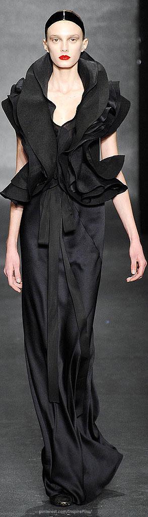 Donna Karan Fall 2010 Ready-to-Wear