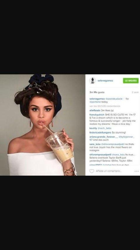 Selena Gomez en sus redes sociales  b5bc3a70f2a