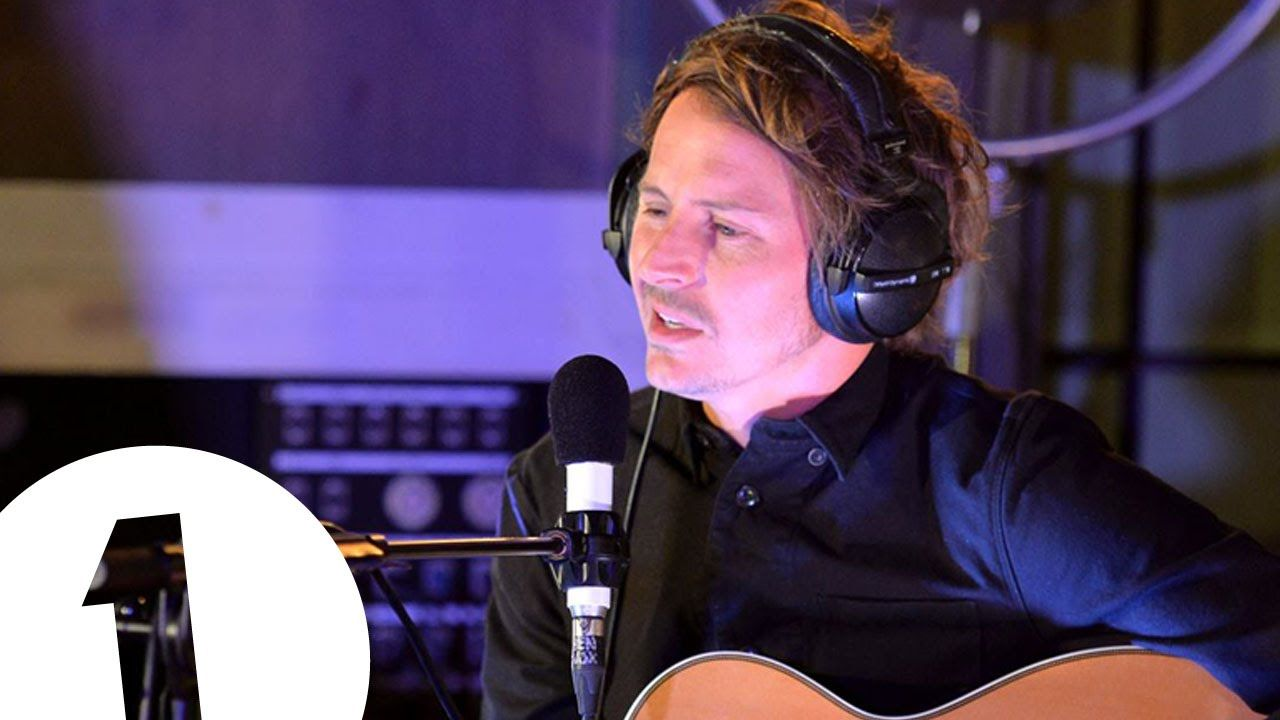 Ben Howard Covers Kiesza S Hideaway In The Live Lounge For Fearne And Bbc Radio 1 As Part Of Even More Music Month Ben Howard Soundtrack Music Cover Songs