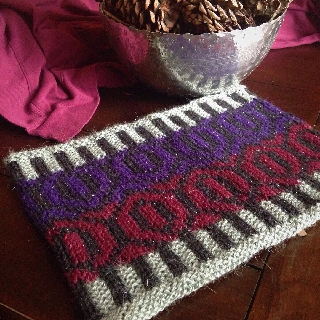 My gauge was a bit bigger than the pattern so I only worked half the chart but I think it's perfect! #littlenutmegproductions #meghanjoneslnmp #knit #knittingaddict #knits #knitting #knitting_inspiration #knitted #knitlove #knitters #knittersofig #knittersoftheworld #knittersofinstagram #makersofinstagram #knitdesign #knitdesigner #design #designer #yarn #yarnaddict #yarnlove #yarnlover #yarnsofinstagram #fairisleknitting #knitcowl #kollageyarns #glisten @kollageyarns #giftknitting
