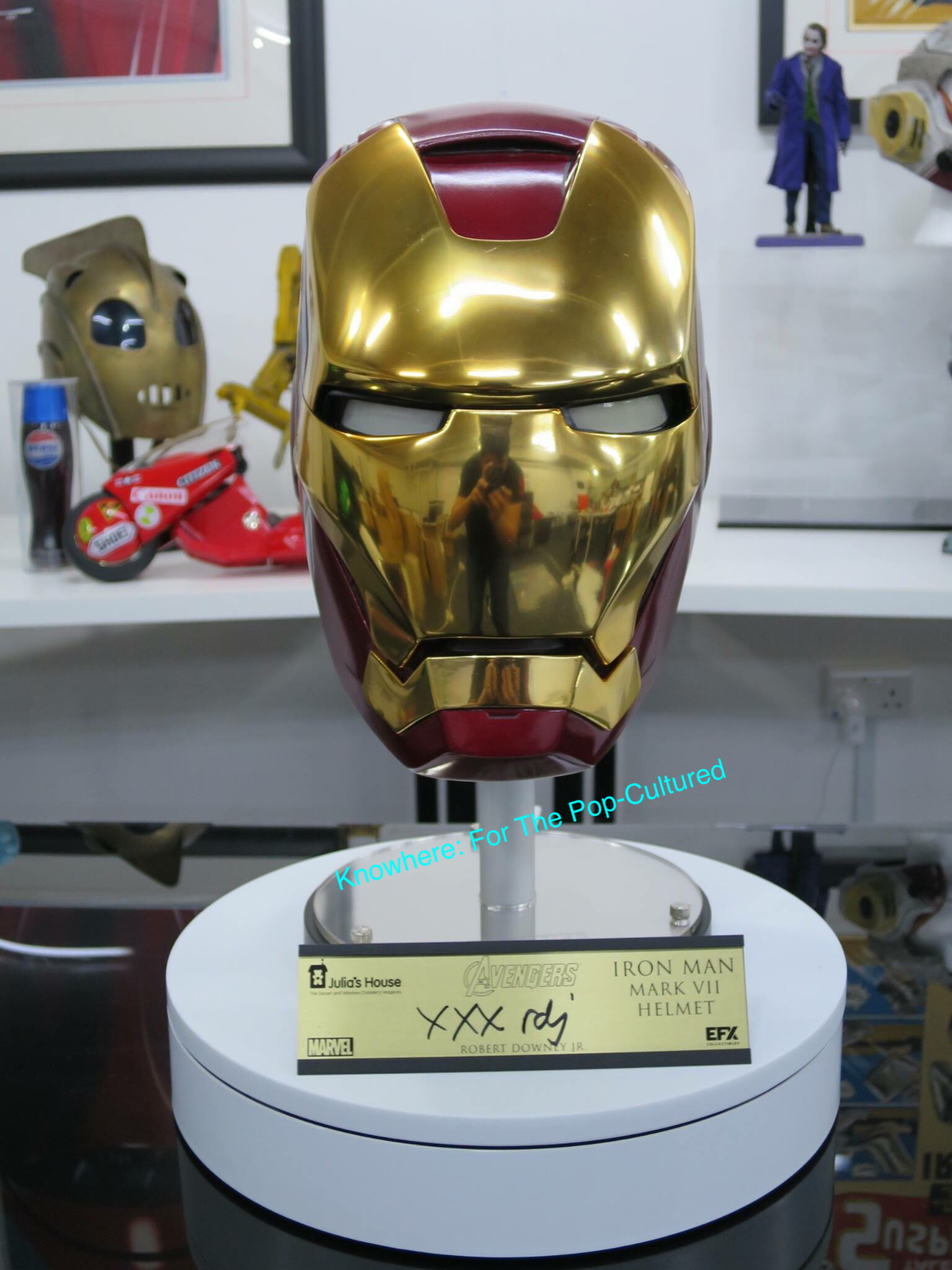 Efx Signature Edition Iron Man Helmet Replica Autographed By Robert Downey Jr Iron Man Iron Man Helmet Iron Man Suit