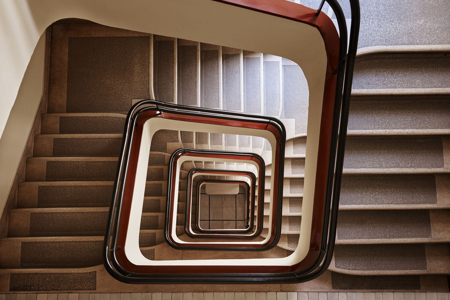Gallery of Explore Budapest's Art Deco and Bauhaus Staircases Through This Photo Series - 4