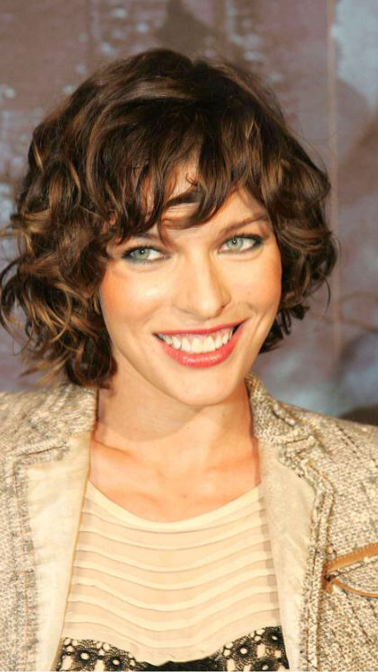 Watch Milla Jovovich Short Brown Bob Hairstyle with Bouns Waves video