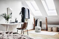 Post: Dormitorio en el ático --> blog decoración nórdica, dúplex, dormitorio nórdico, decoración áticos, decoracion dormitorios, diseño aticos, diseño interiores, dormitorio en el ático, espacio diáfano, estilo nórdico